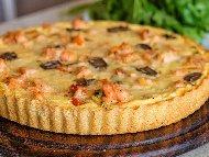 Рецепта Пай с филе от сьомга, тиквички, моркови, прясно мляко и сметана на фурна